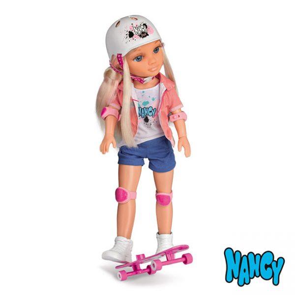 Nancy um Dia Passeando de Skate
