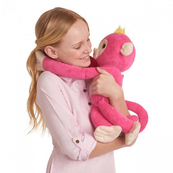 Fingerlings Hugs – Peluche Interativo Bella (Rosa)