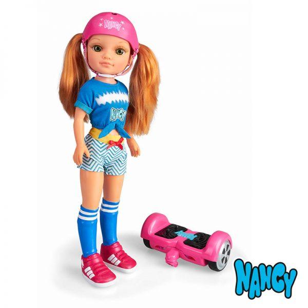 Nancy Dia com Hoverboard